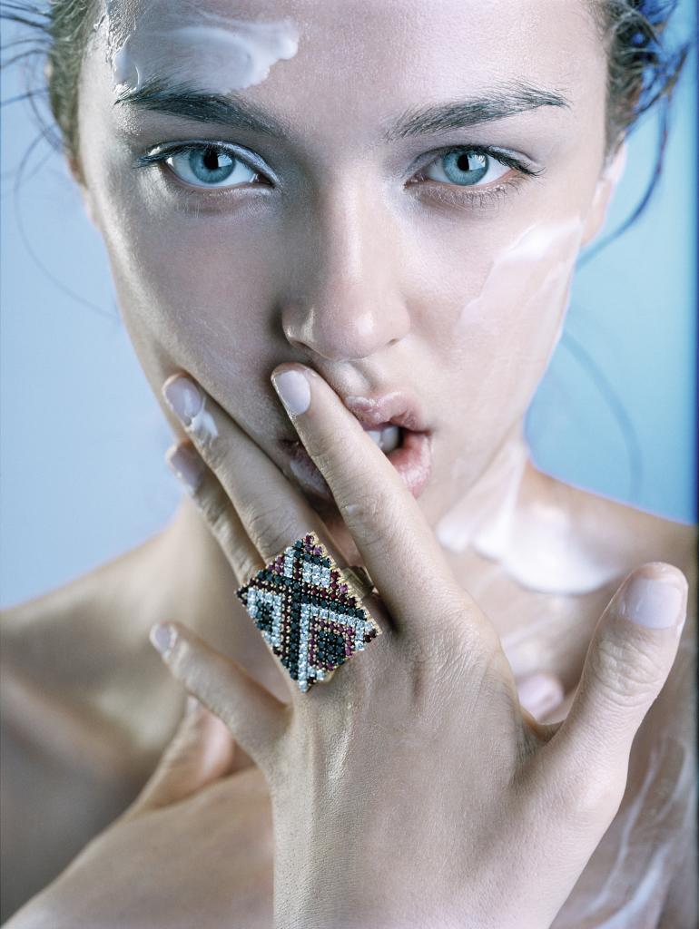 Revisa tu rutina de belleza para evitar anticipar el proceso de...