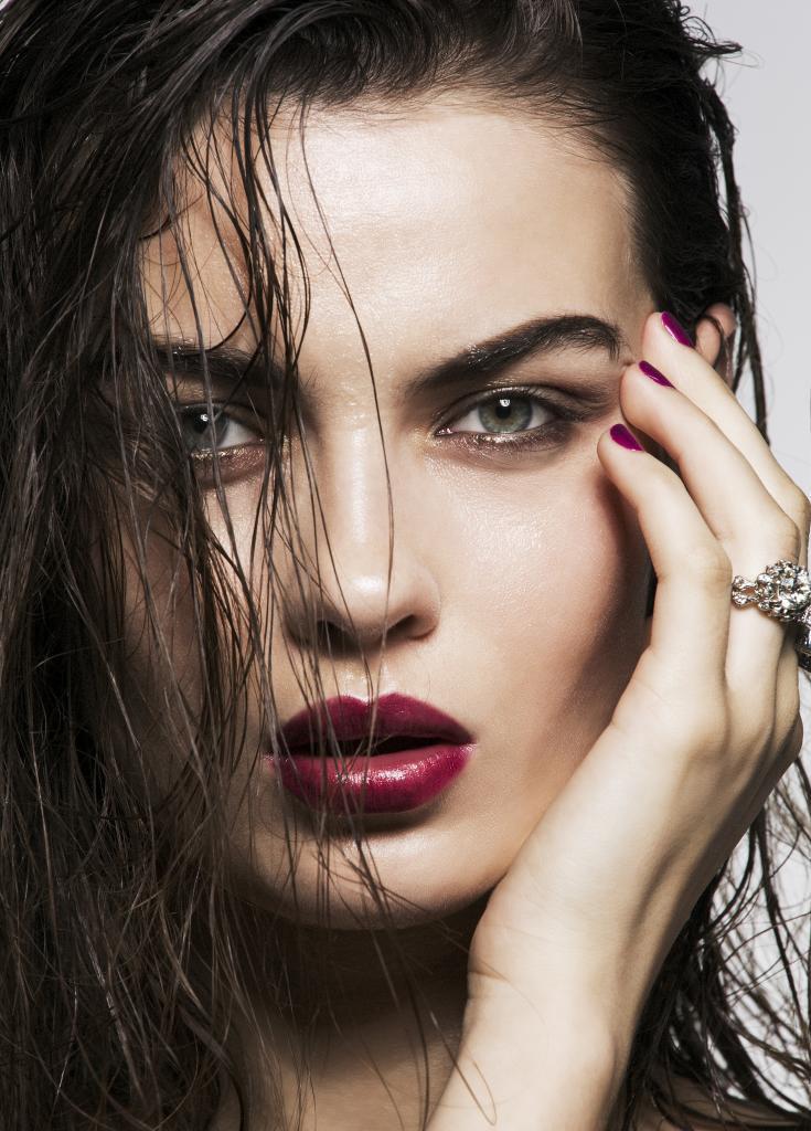 El maquillaje en polvo puede ser comedogénico en pieles no grasas.