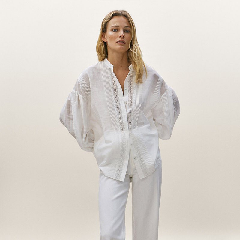 Camisa bordada de seda