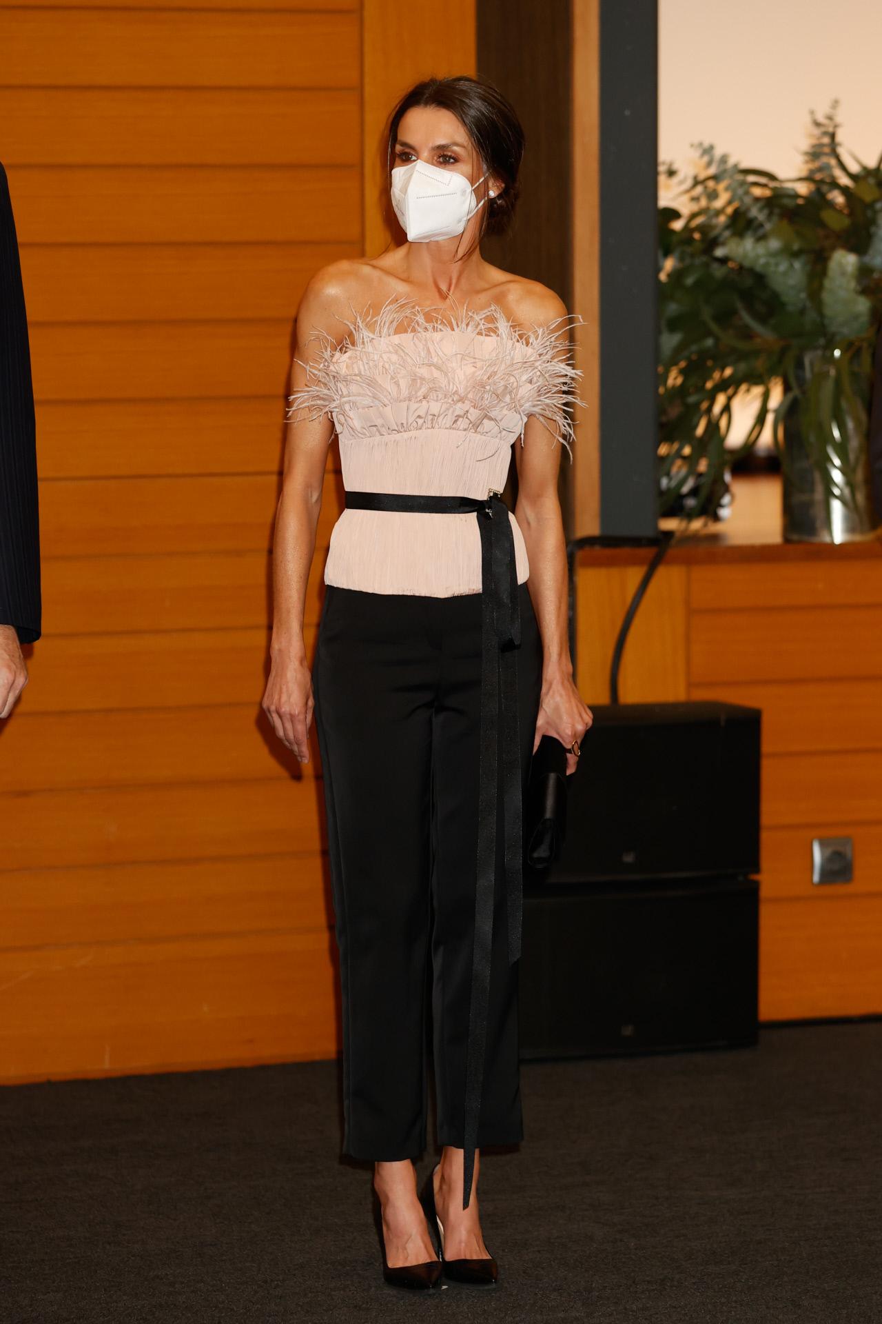 El look de la reina Letizia para su cena oficial en Andorra.