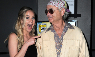 Cuando Jennifer Lawrence coincidió con Bill Murray en una alfombra...