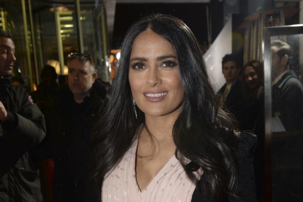 Salma Hayek, con el color de pelo de moda.