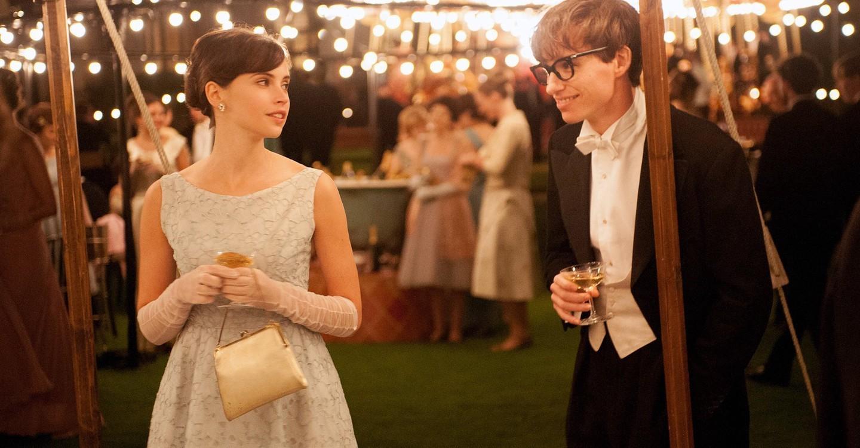 """Eddie Redmayne y Felicity Jones interpretan a Stephen Hawking y su primera mujer en """"La teoría del todo""""."""