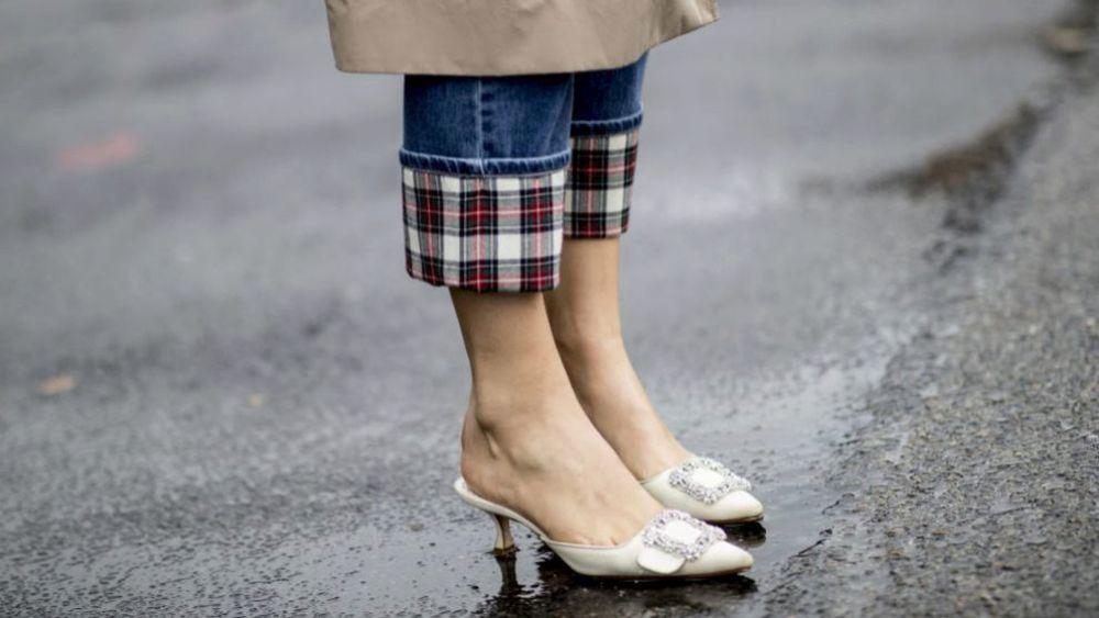 Los zapatos mules de Zara, Mango y compañía que vas a querer estrenar esta temporada