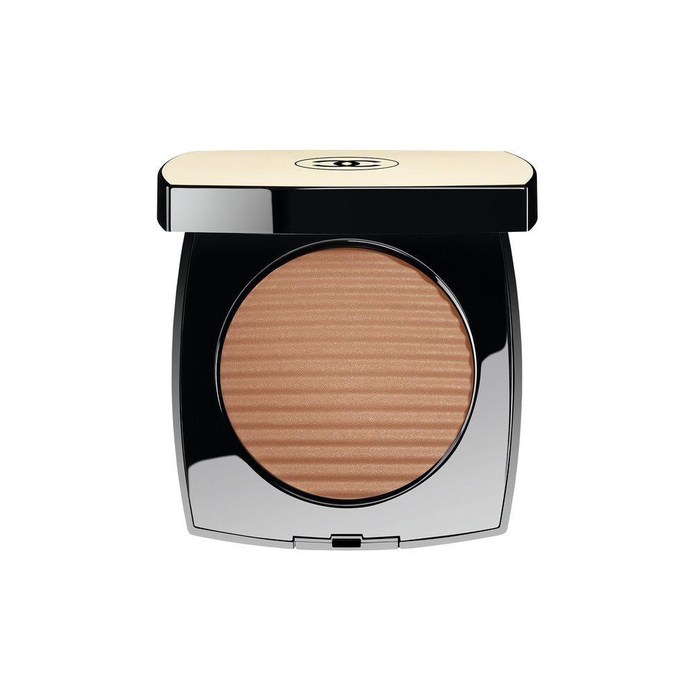 Polvos aspecto sano y natural Les Beiges de Chanel en tono Medium.