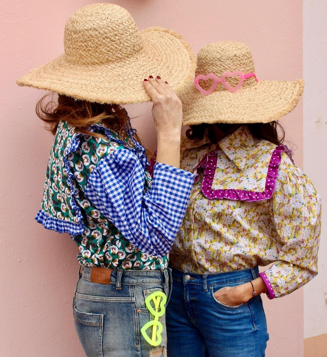 Dos blusas de la firma The Curiosers