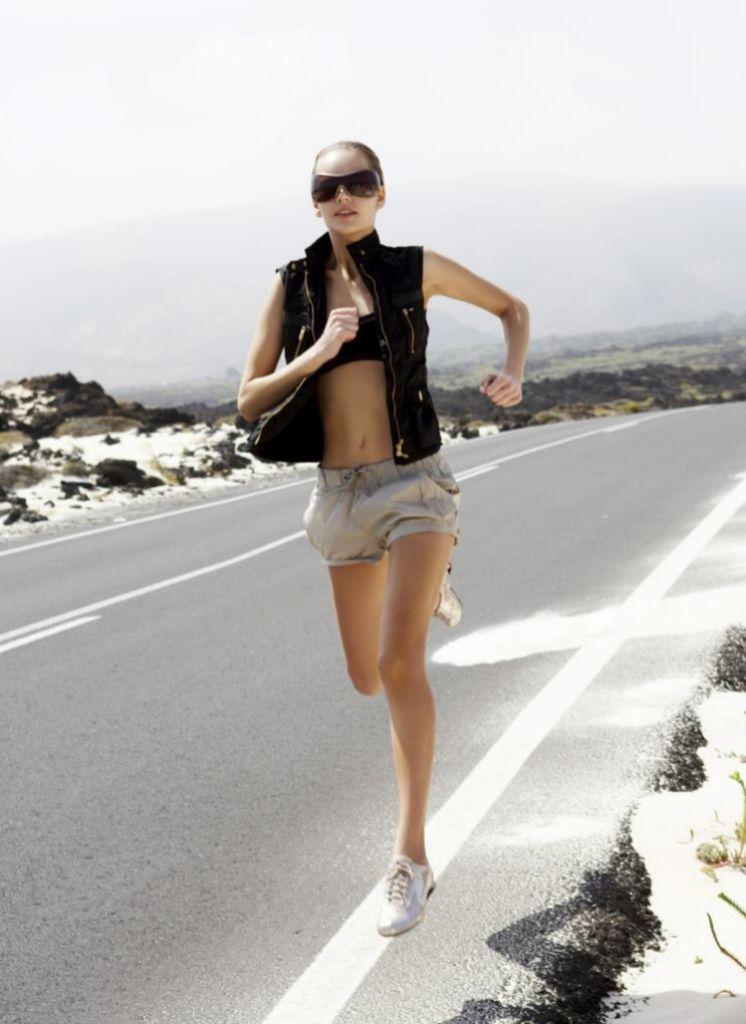 El ejercicio físico es clave para prevenir la obesidad y reforzar el sistema inmunológico.