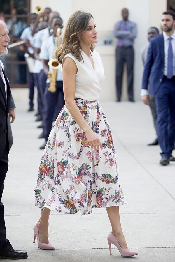 Te puede interesar: Nadie lleva la falda mejor que la reina Letizia, para prueba estos looks