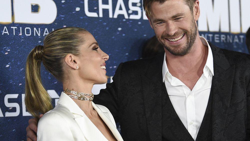 La coleta alta se ha convertido en uno de los looks favoritos de Elsa Pataky para dar ese efecto de altura a su figura junto a su marido Chris Hemsworth. Ella mide 1,61 metros.