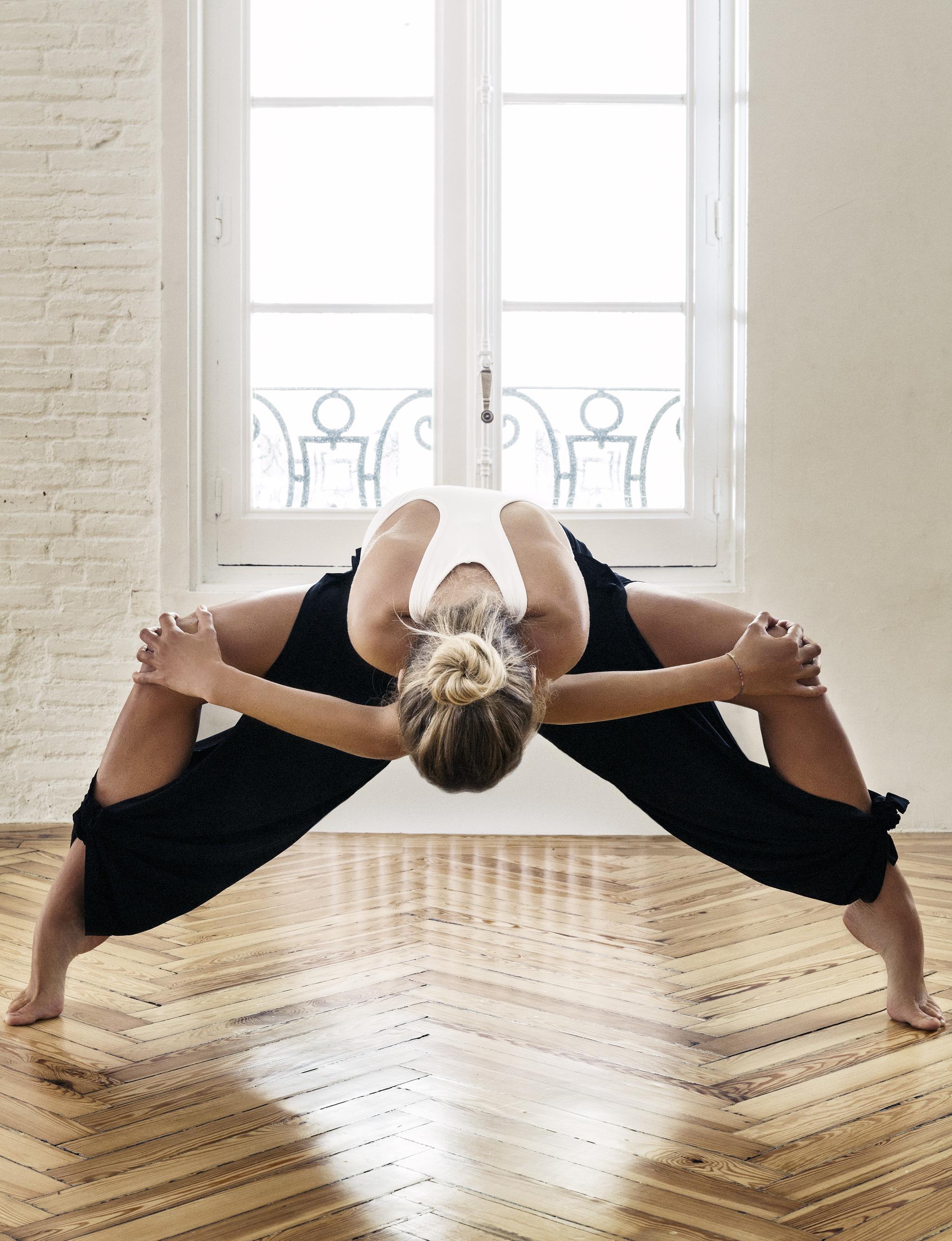 El yoga puede ayudarte a mantener tu espalda tonificada.