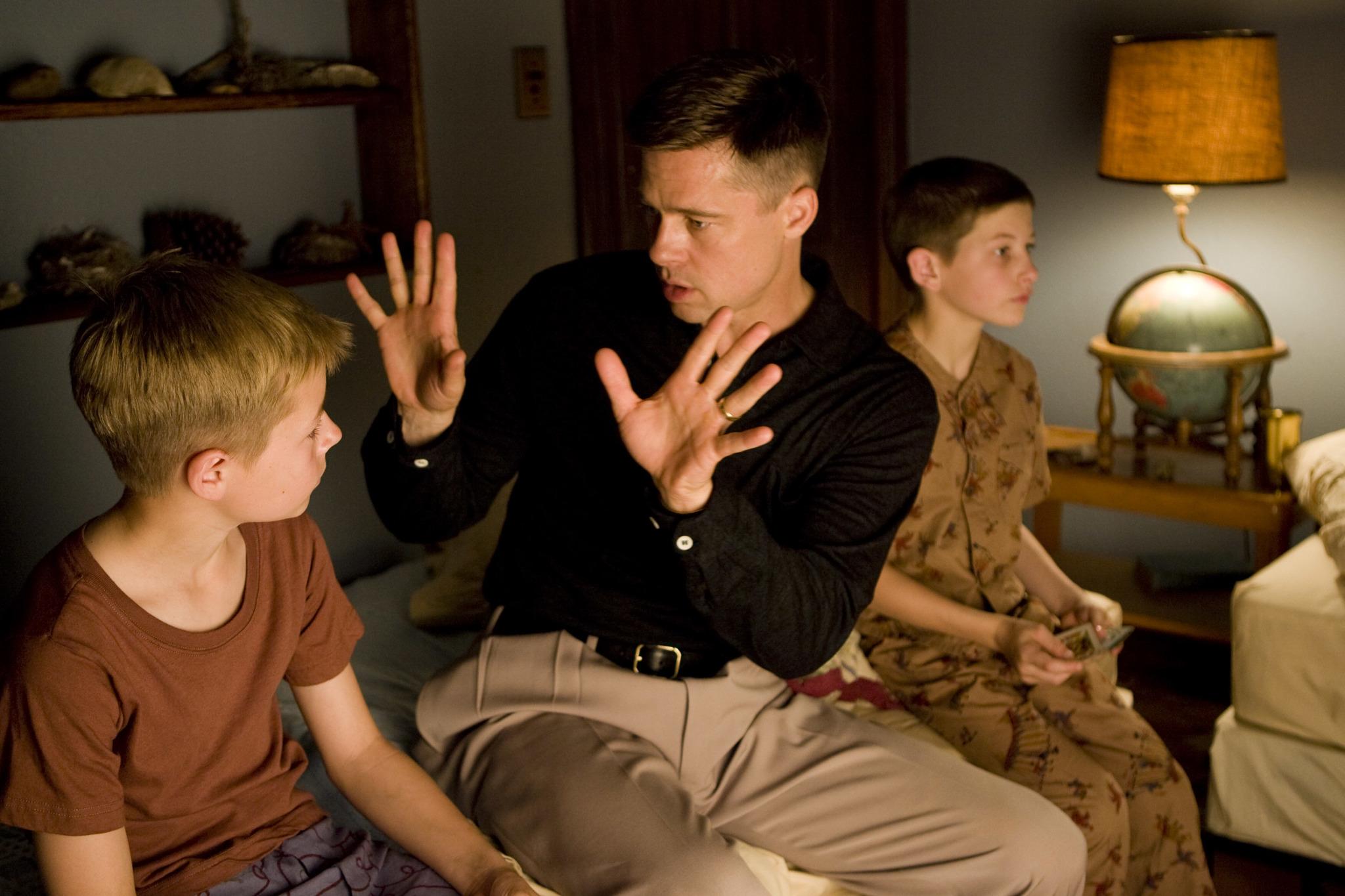 """Fotograma de la película """"El árbol de la vida"""", dirigida por Terrence Malick y protagonizada por Jessica Chastain, Brad Pitt (en la imagen) y Sean Penn."""