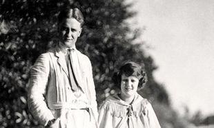 F. Sott Fitzgerald y Zelda un año después de su boda.