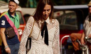 Es el momento de invertir en un vestido blanco midi