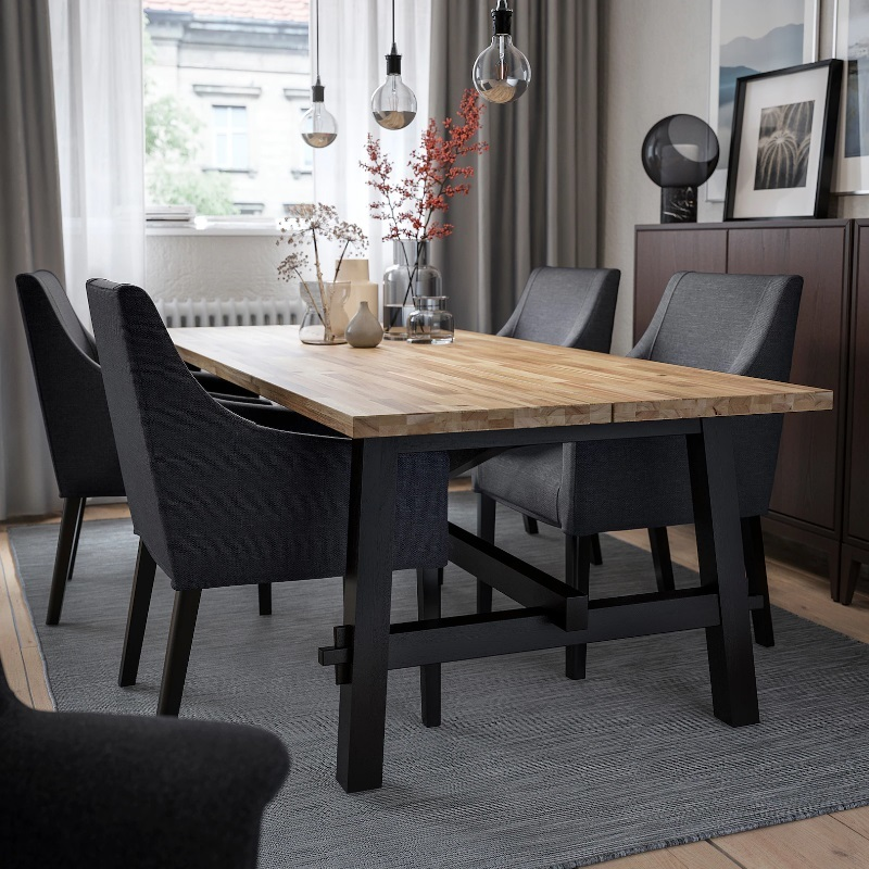 Mesa de comedor de IKEA.