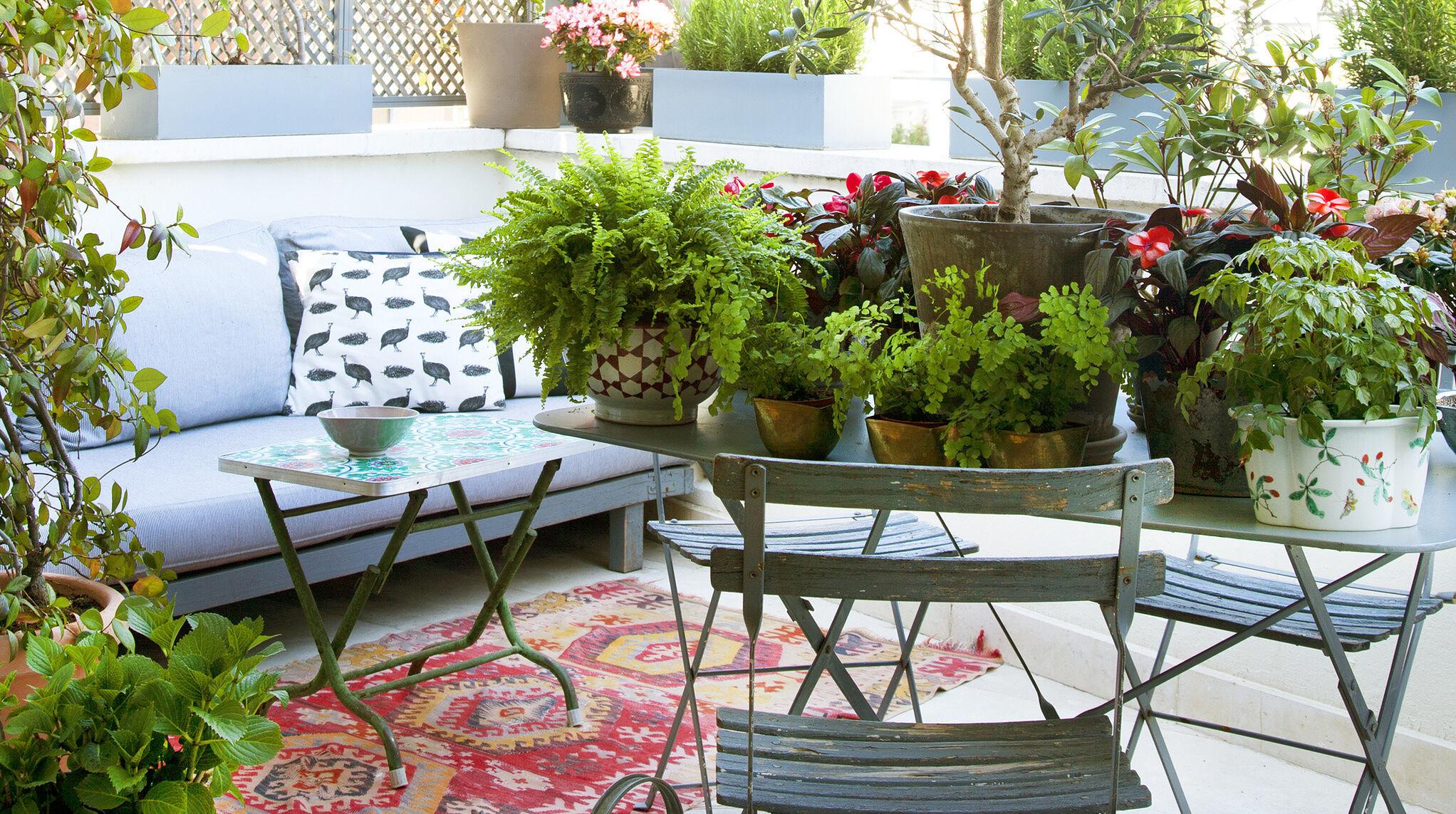 Las sillas, sillones y sofás nuevos que tu terraza pide a gritos