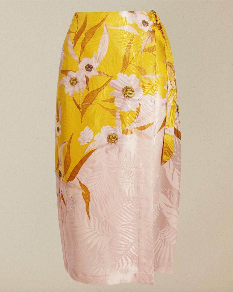 Falda pareo brillante estampada de Ted Baker.