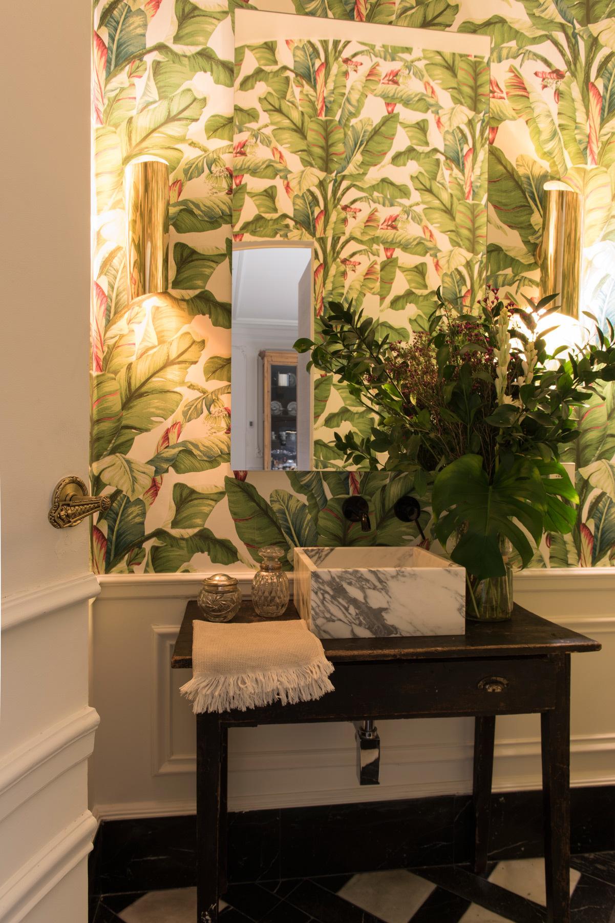 La humedad del baño es buena para determinadas plantas tropicales.
