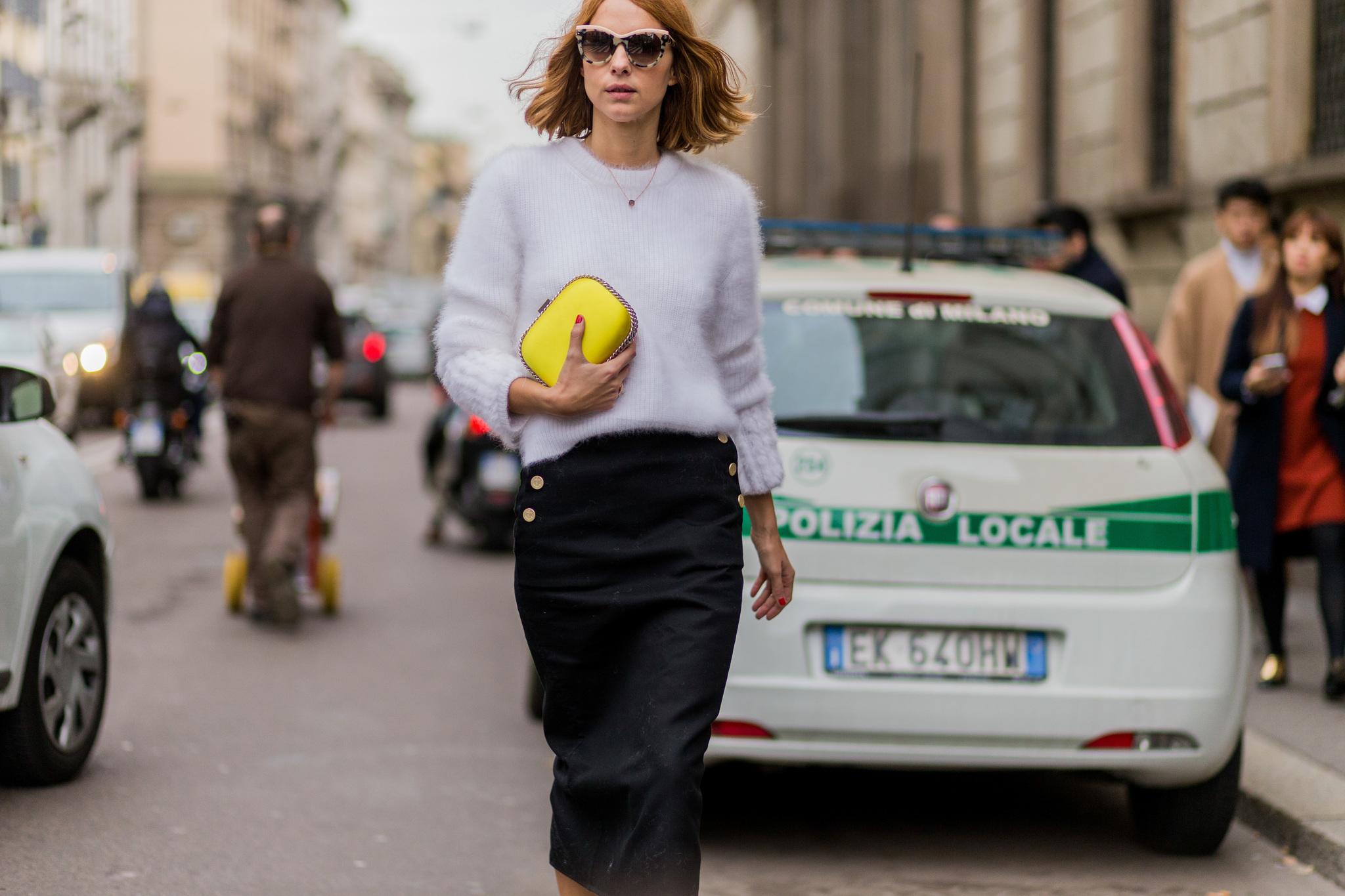 La falda con botones es una de las tendencias de la primavera.
