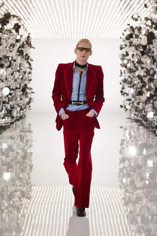 Esmoquin de terciopelo de Gucci, colección otoño-invierno 2021.