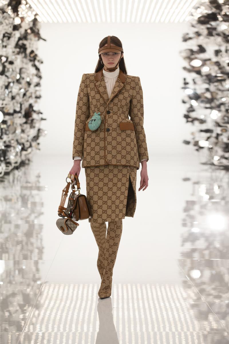 Las referencias a Balenciaga en el desfile de Gucci.