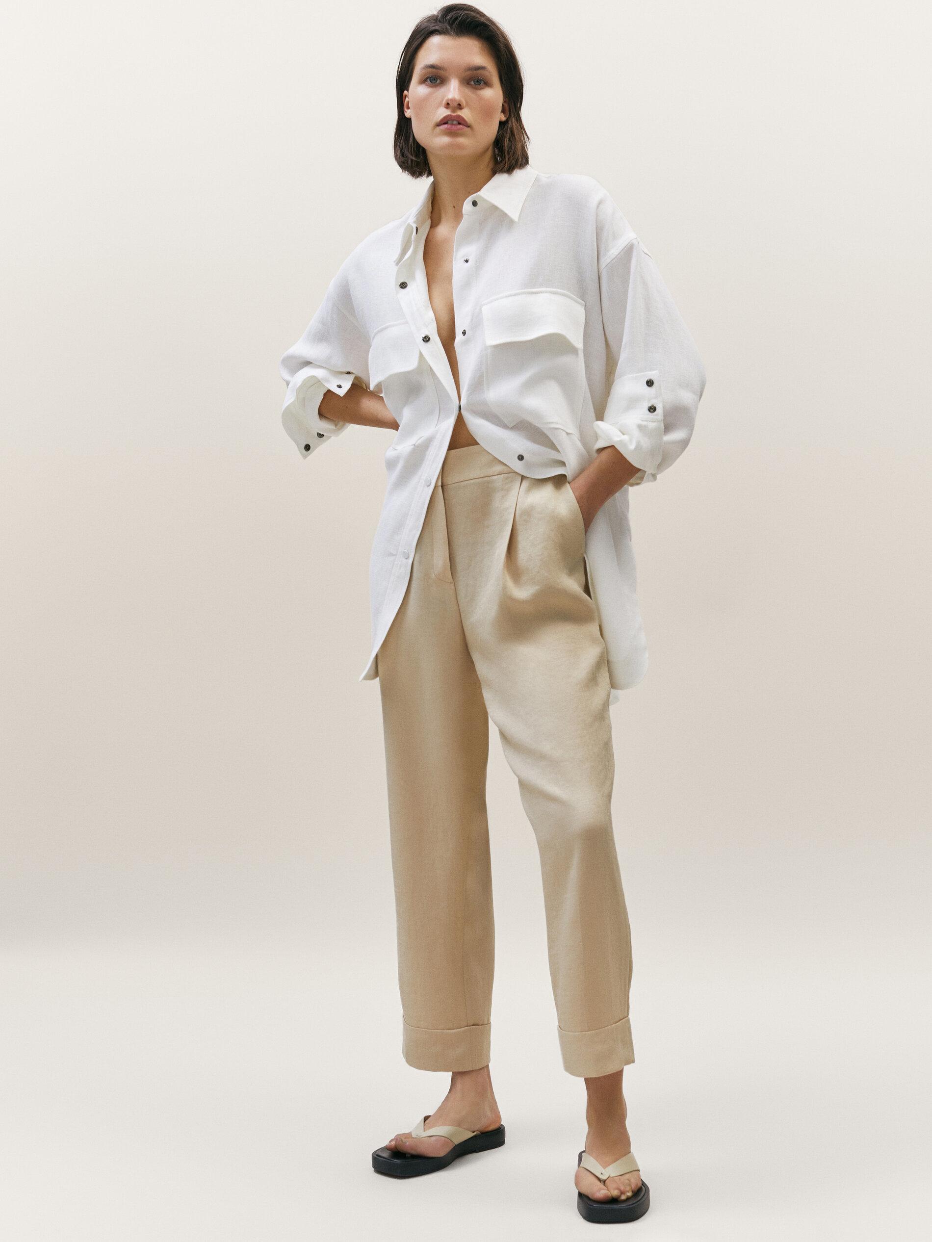 Pantalones cropped con pliegues de Massimo Dutti