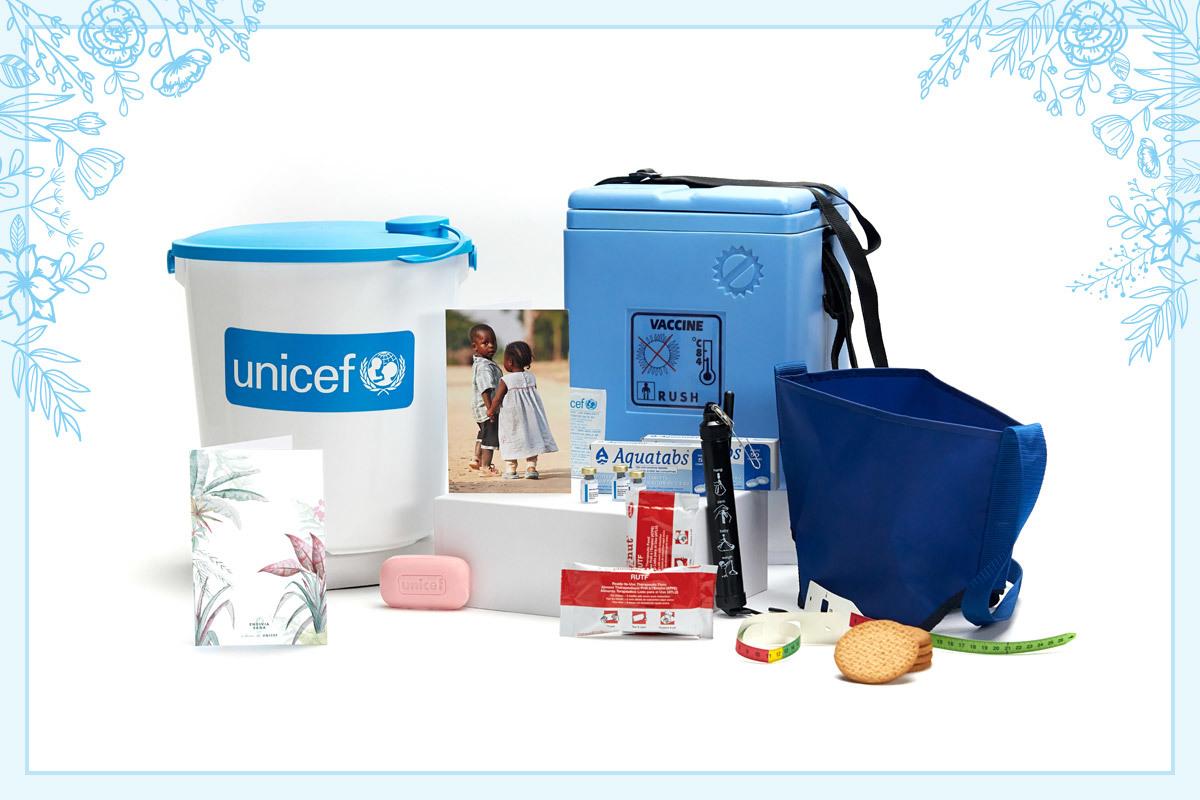 Gracias a Regalo Azul de UNICEF los niños más necesitados reciben material escolar, alimento terapéutico, vacunas...