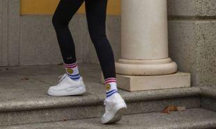 Tamara Falcó con zapatillas Nike