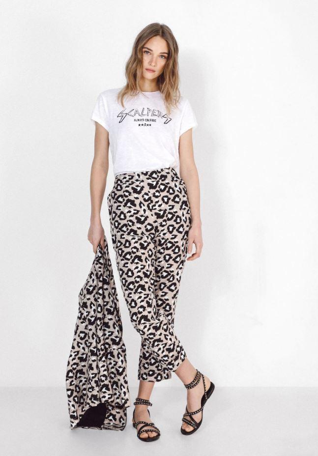 Pantalón de lino con animal print de Scalpers