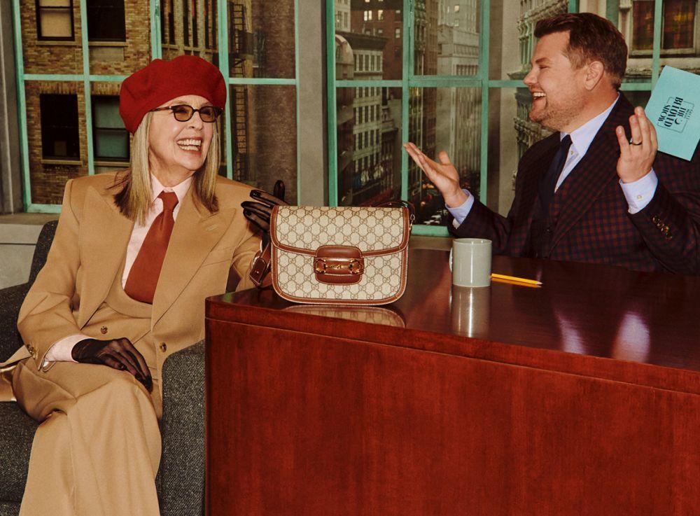 Diane Keaton y James Corden en la campaña Gucci Beloved.