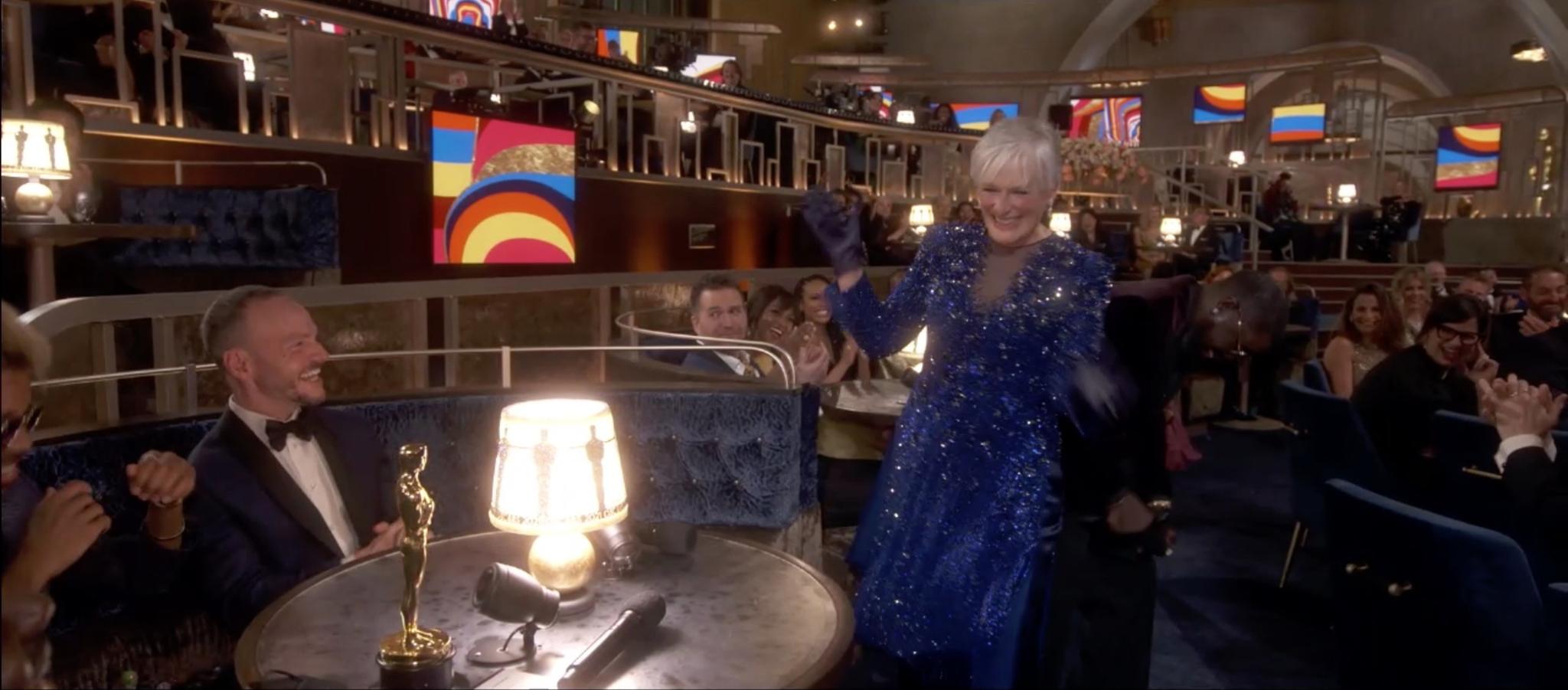 Glenn Close durante su baile improvisado en la gala de los Oscar