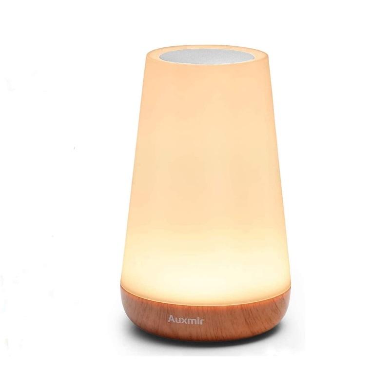 Lámpara de luz cálida para dormitorio.