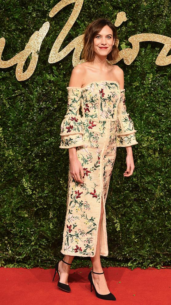 Alexa Chung con vestido de flores.