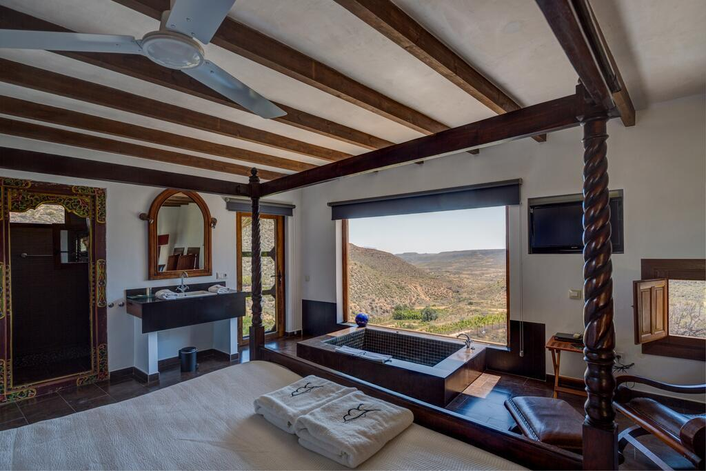 Hotel La Almendra y el Gitano, en Agua Amarga, Almería.
