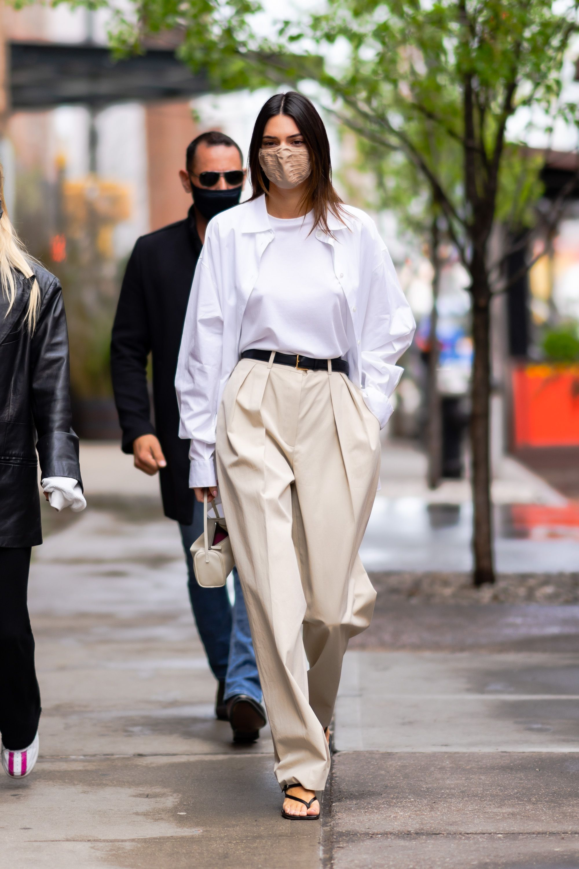 Kendall Jenner con total look de The Row.