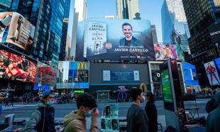 Javier Castillo en Times Square.