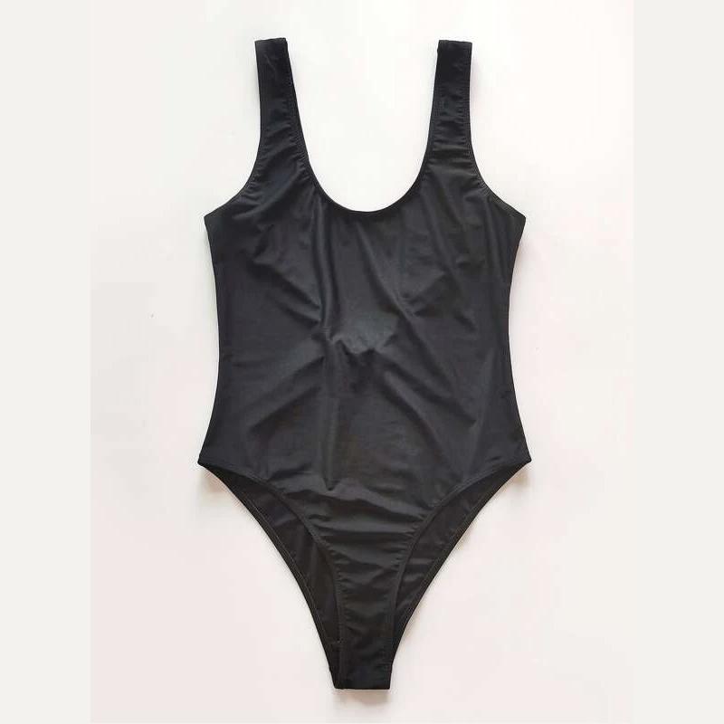 Bañador negro de Shein.