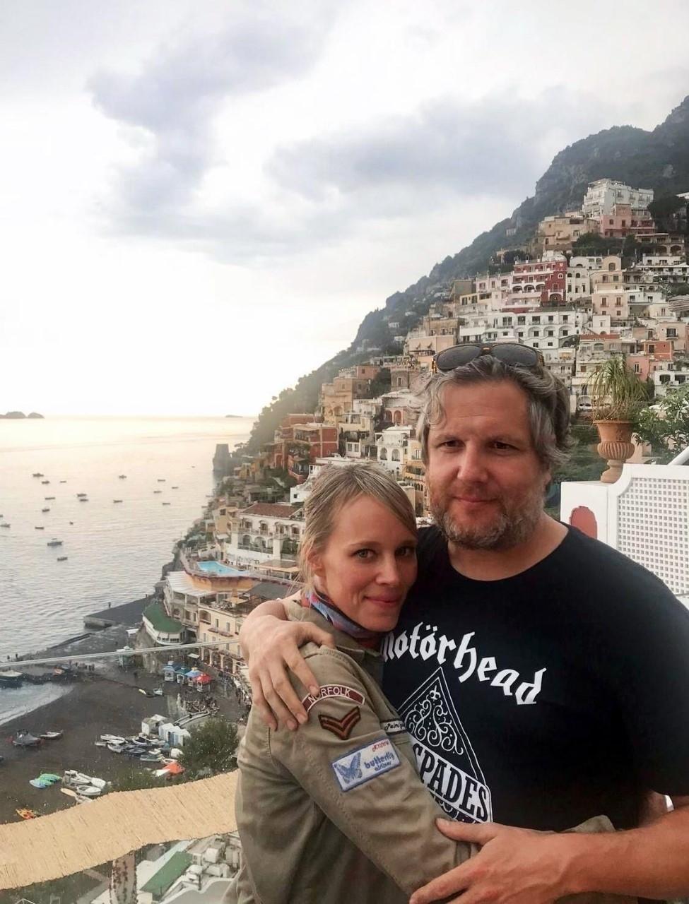 David Gistau y Romina Caponnetto en Positano