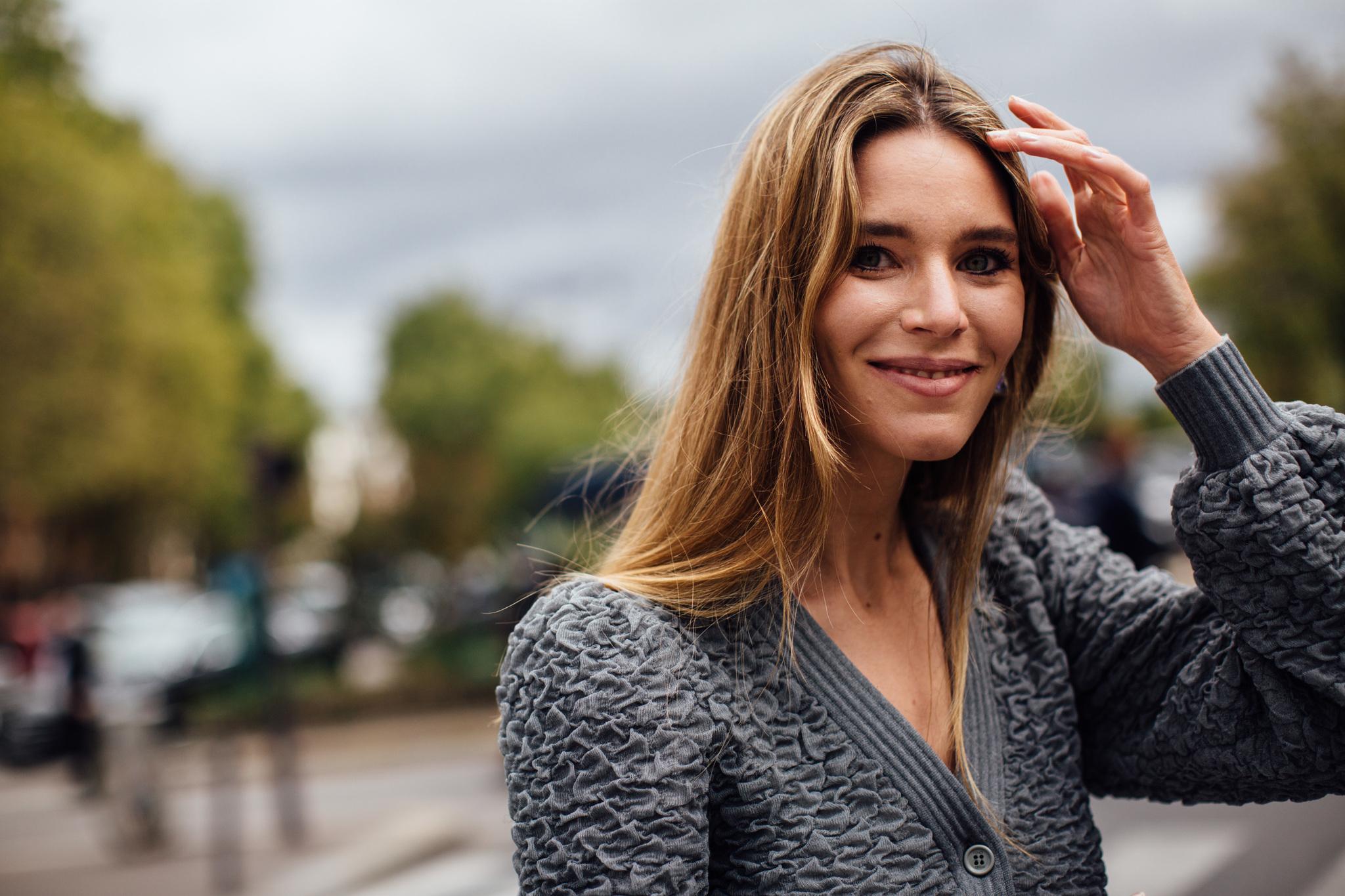 Elegir el champú equivocado y aclarar mal tu melena pueden hacer que tu pelo recién lavado no tenga ese aspecto limpio que tú quieres.