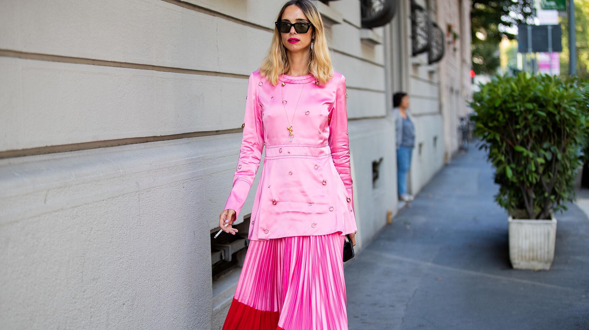 La falda midi es la pieza clave en la que invierten las parisinas, milanesas y danesas