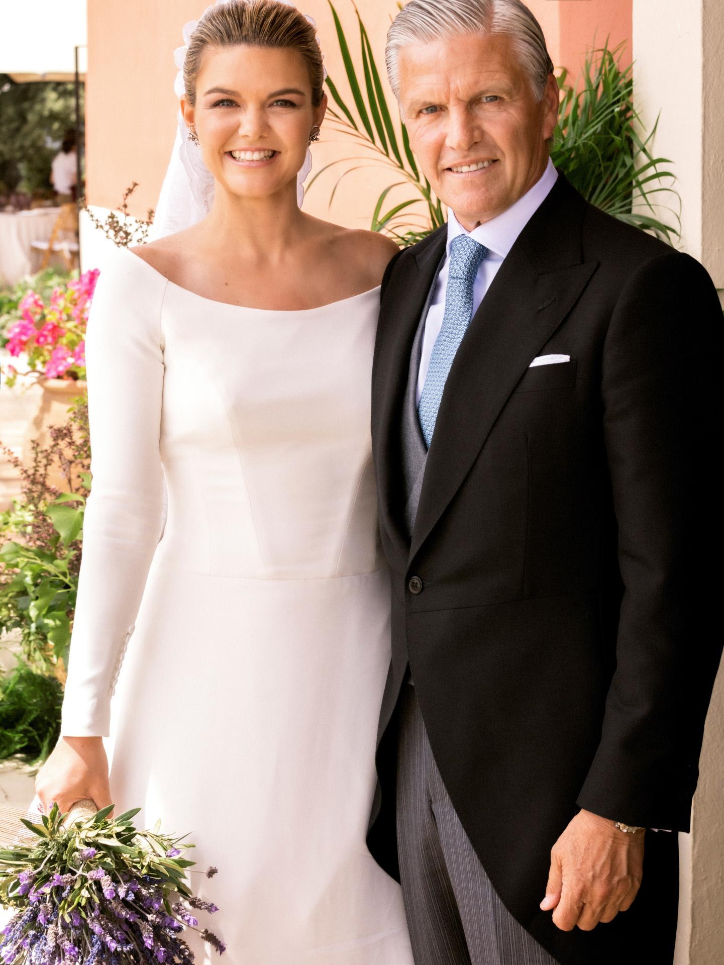 Alejandra Ruiz de Rato y su padre, Espartaco, el día de su boda.