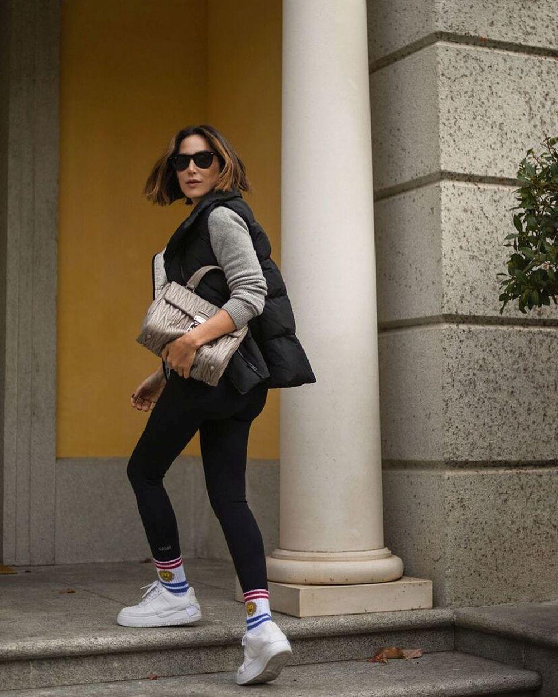 Tamara Falcó con zapatillas Nike.