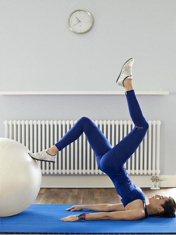 Gracias al pilates podremos mitigar un poco el dolor de espalda de teletrabajar.