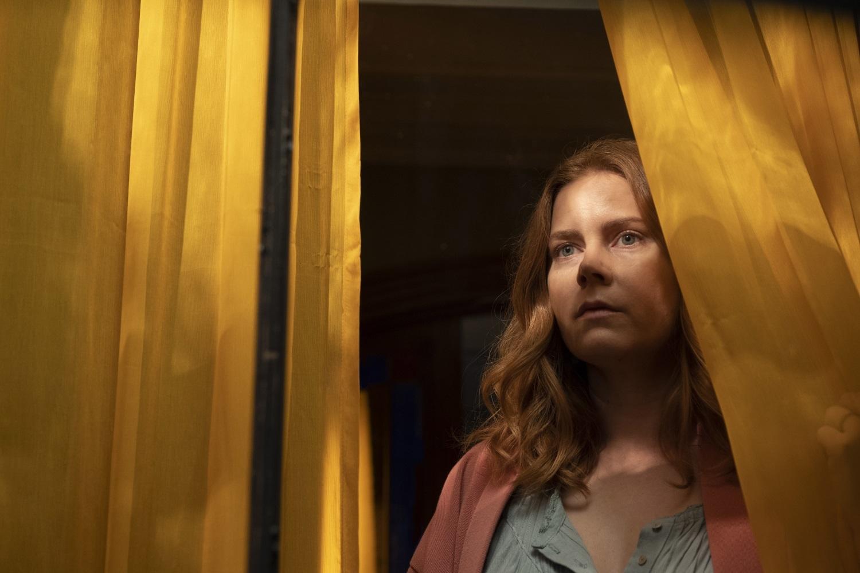 """Amy Adams protagoniza el estreno de Netflix """"La mujer en la ventana""""."""
