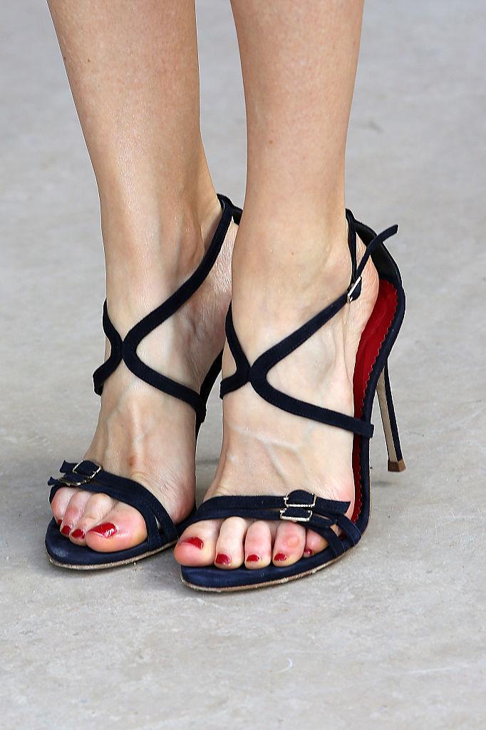 Sandalias de ante, de Carolina Herrera.