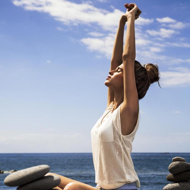 Aprovecha los estiramientos para oxigenar todo tu cuerpo.