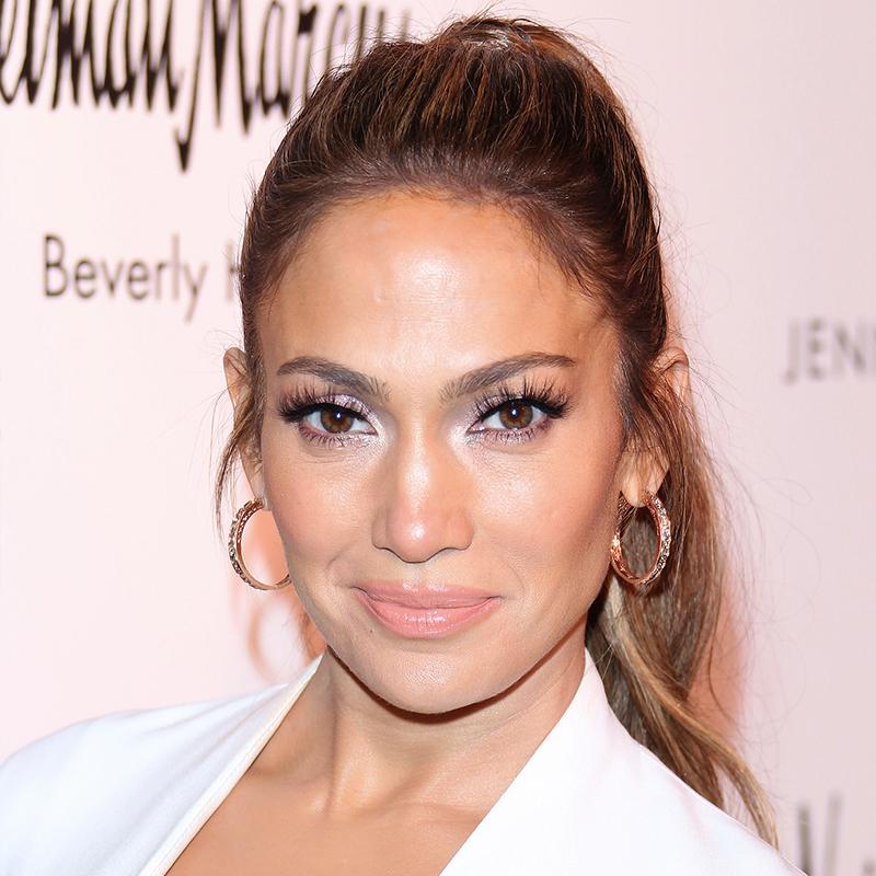 La coleta moderna de Jennifer Lopez.