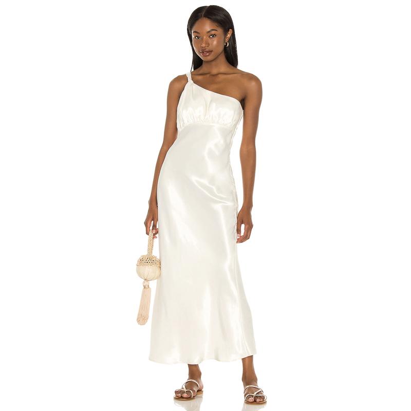 Vestido blanco de House of Harlow 1960.