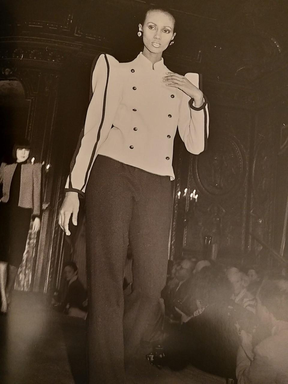 Desfile de Carolina Herrera de 1981.