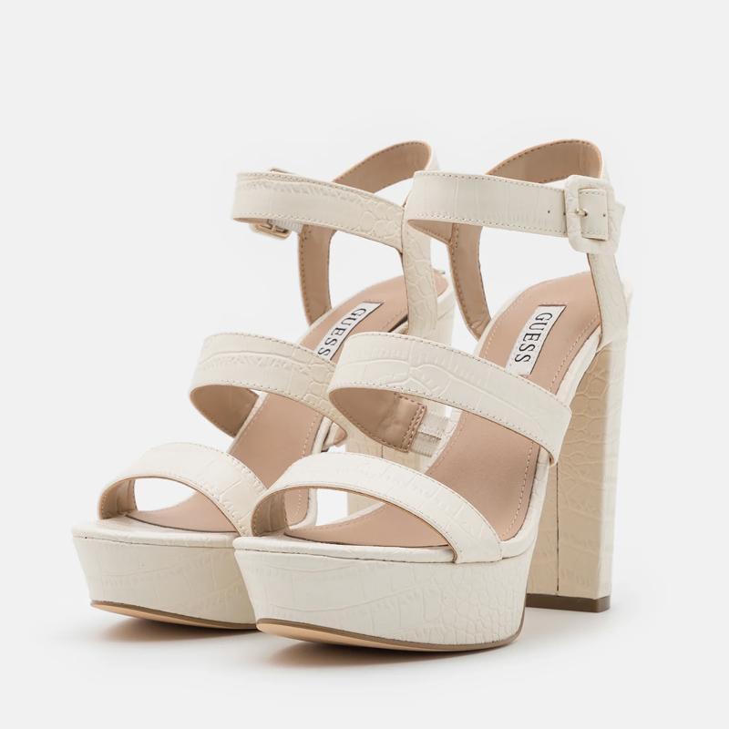 Sandalias de Guess.