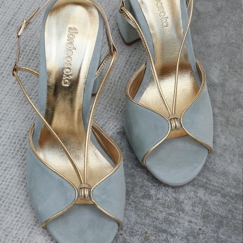 Sandalias de Flor de Asoka.